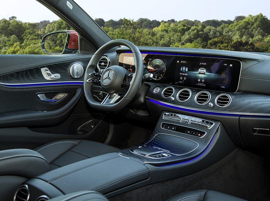 Mercedes-Benz E300 2021