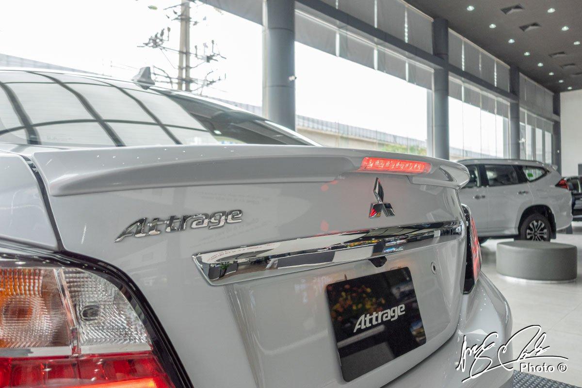 Cánh gió đuôi trên Mitsubishi Attrage 2021.