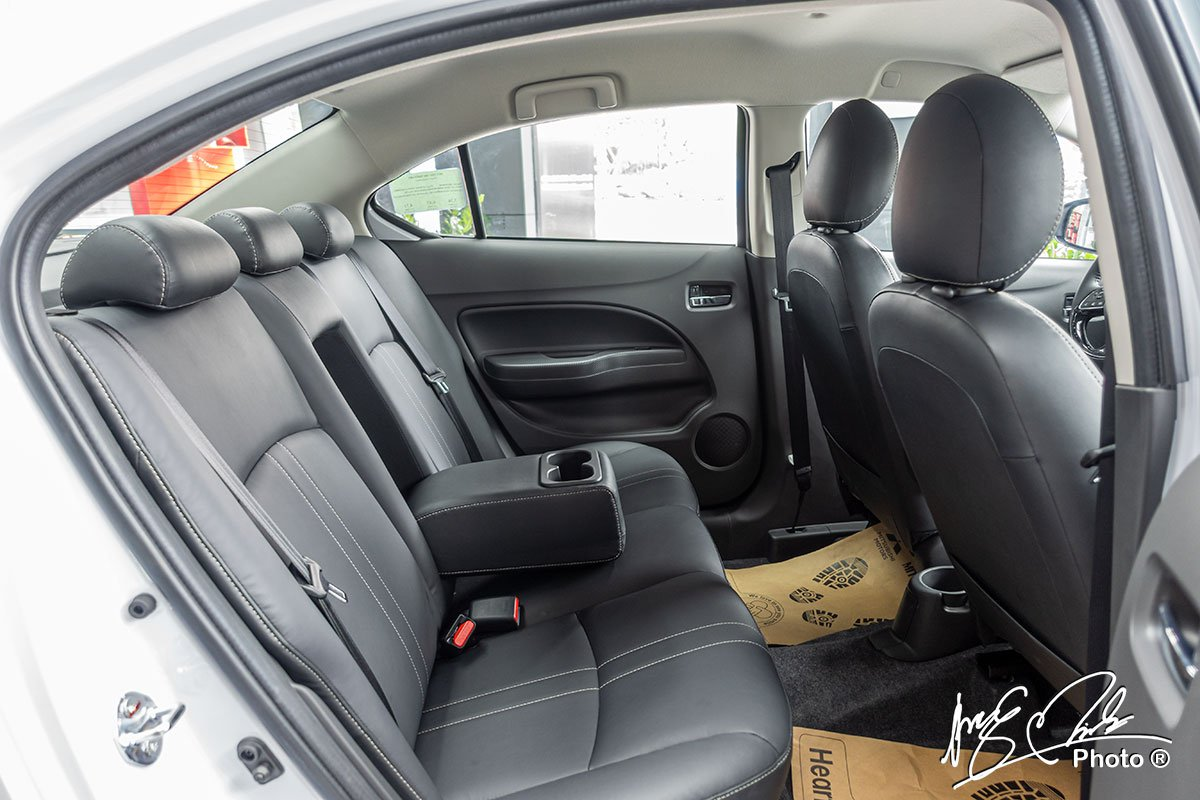 Hàng ghế sau của Mitsubishi Attrage 2021.