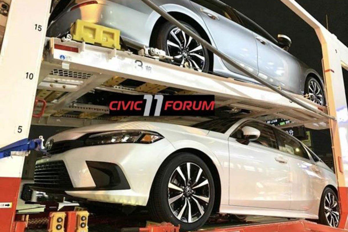 Honda Civic 2022 tiếp tục lộ ảnh thực tế 1