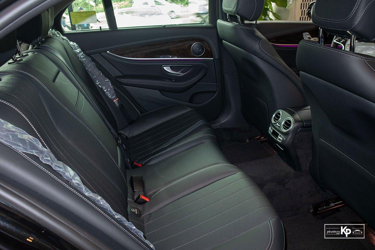 Ảnh Ghế sau xe Mercedes-Benz E-Class 2021