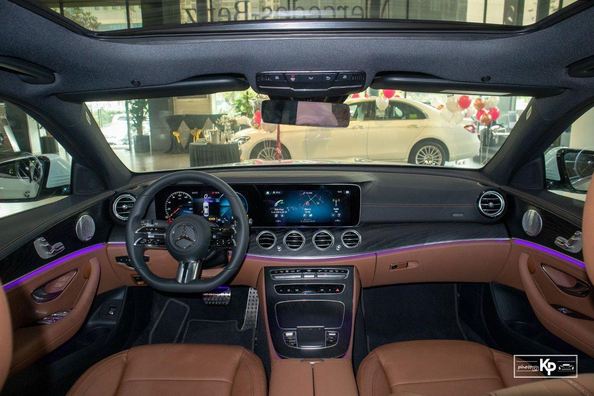 Ảnh Khoang lái xe Mercedes-Benz E-Class 2021