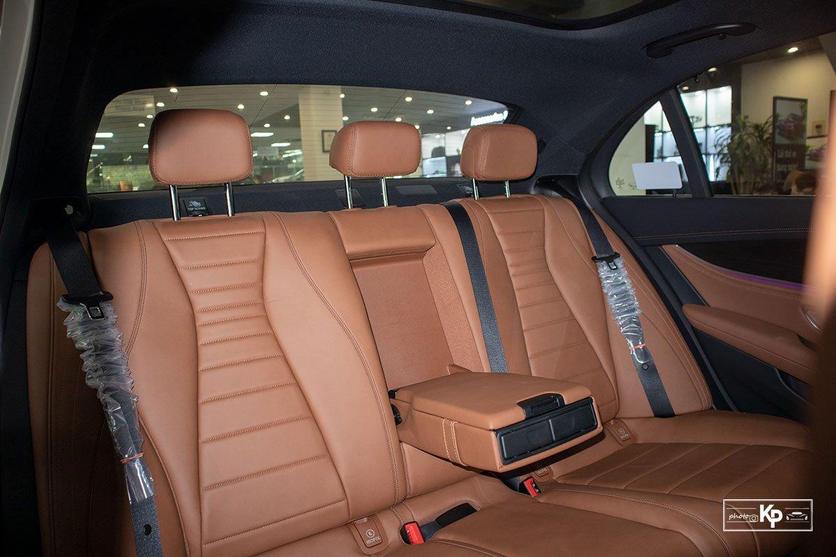Ảnh Ghế sau xe Mercedes-Benz E-Class 2021 a1