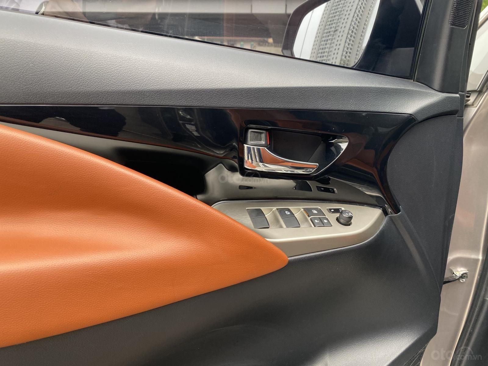 Toyota Innova G đời 2020, tiết kiệm nhiên liệu, xe siêu lướt, full đồ chơi (8)