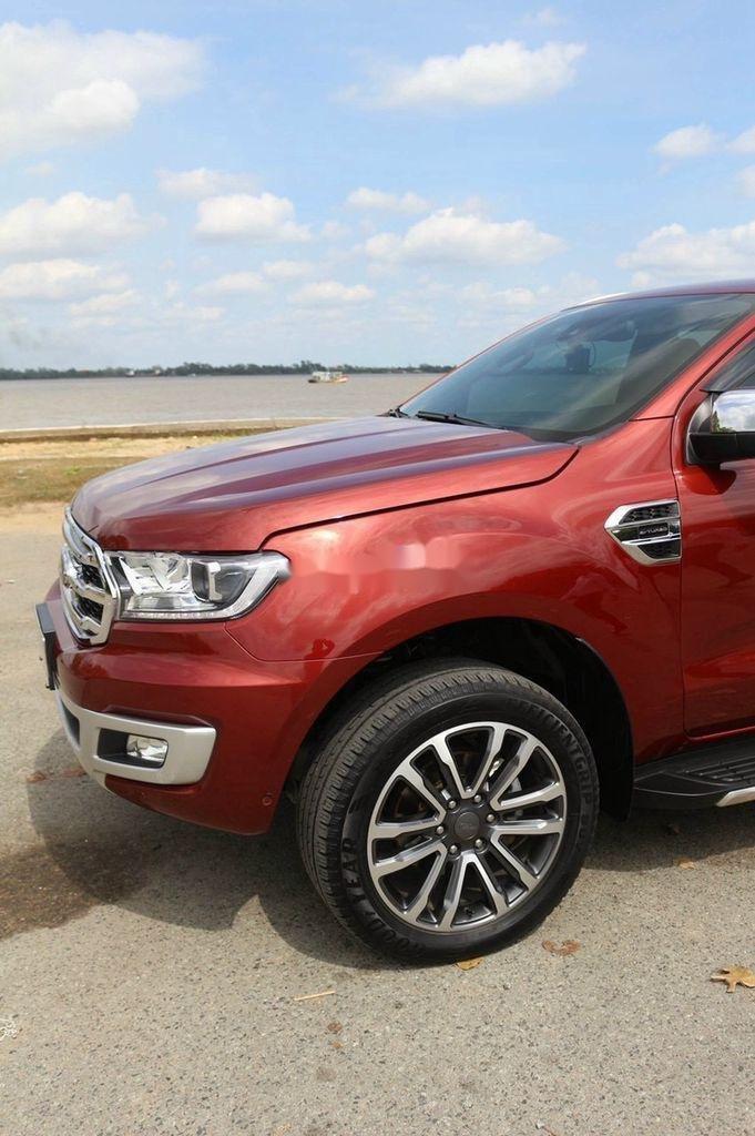 Cần bán gấp Ford Everest sản xuất năm 2019, nhập khẩu (3)