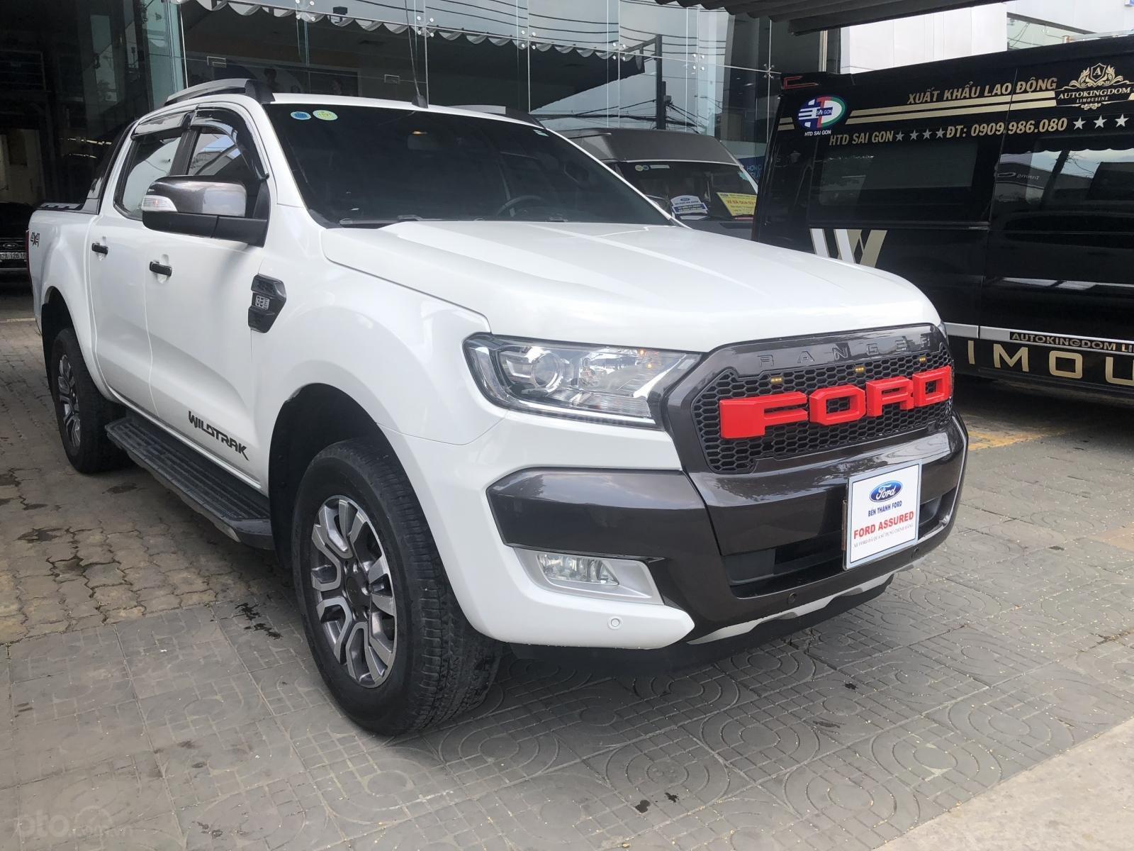 Cần bán Ford Ranger Wildtrak 3.2L 2016 trắng Ngọc Trinh, vay 70%, BH hãng (3)