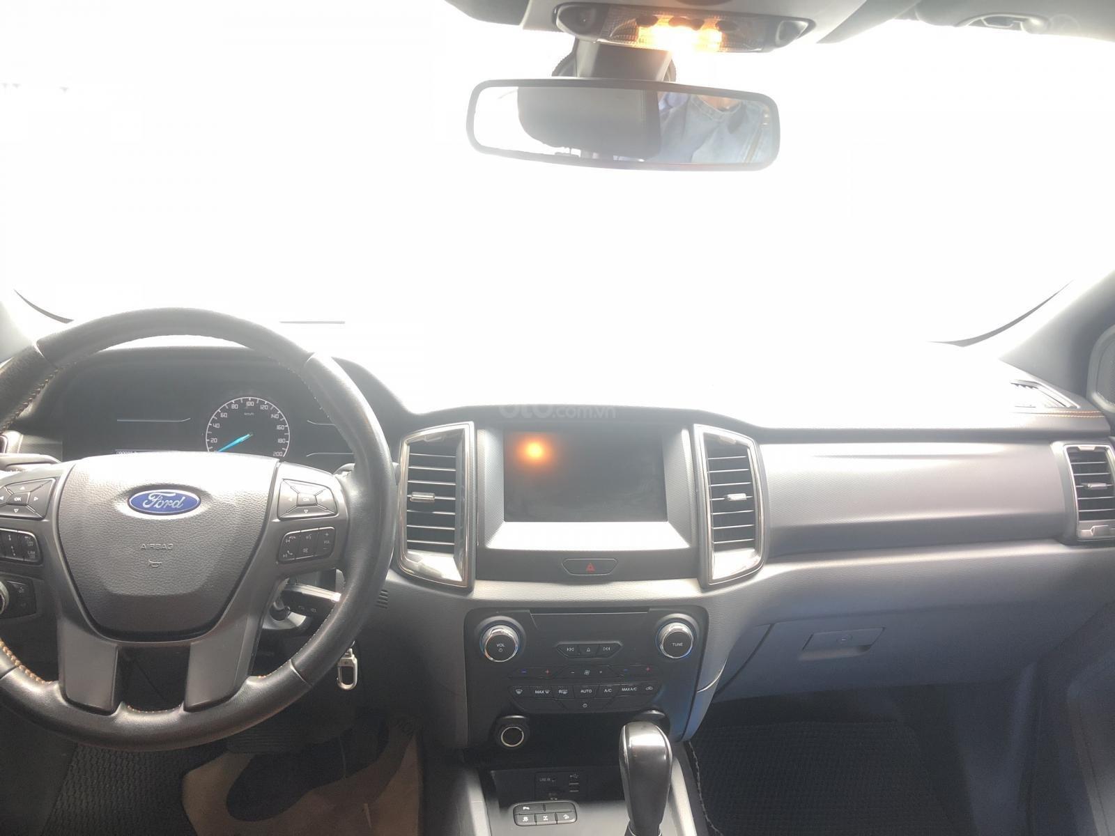 Cần bán Ford Ranger Wildtrak 3.2L 2016 trắng Ngọc Trinh, vay 70%, BH hãng (8)