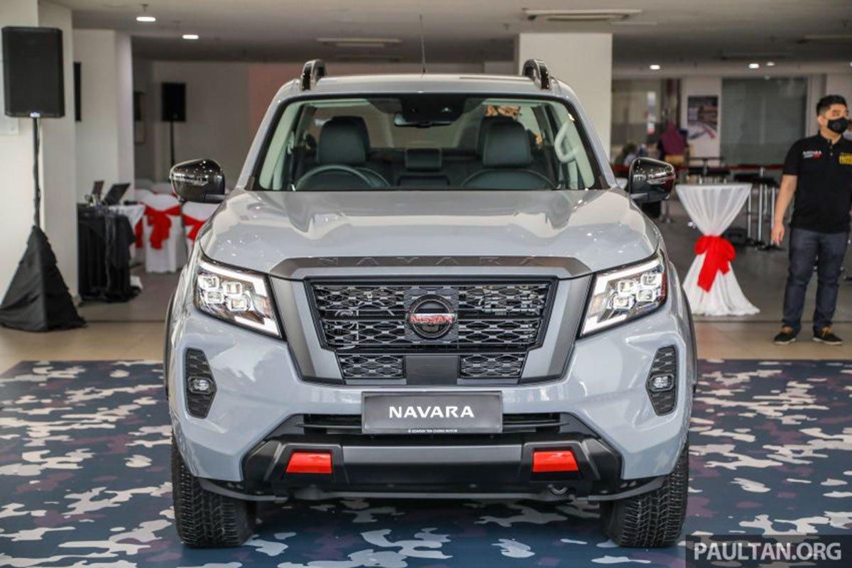 Thiết kế đầu xe Nissan Navara 2021 1