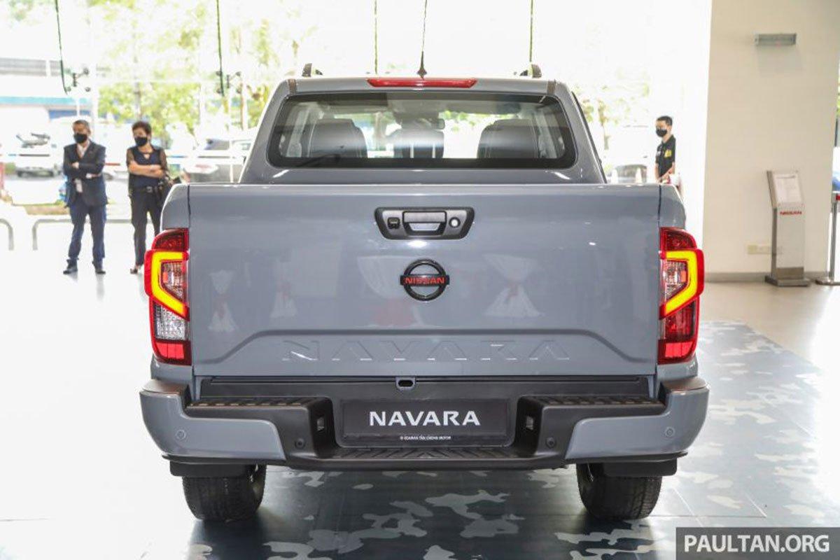 Thiết kế đuôi xe Nissan Navara 2021 1