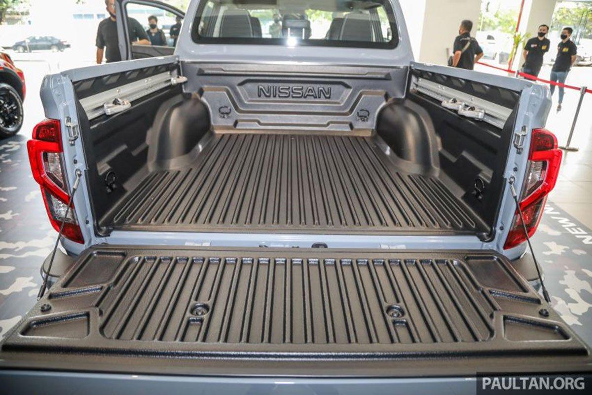 Thùng xe Nissan Navara 2021 có hệ thống linh hoạt buộc/dỡ đồ thông minh 1