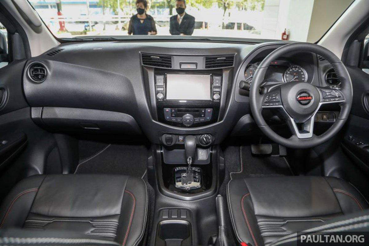 Khoang cabin xe Nissan Navara 2021 1