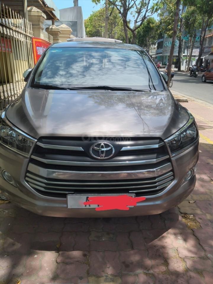 Chính chủ cần bán gấp Toyota Innova 2.0G sản xuất năm 2016, còn mới (2)