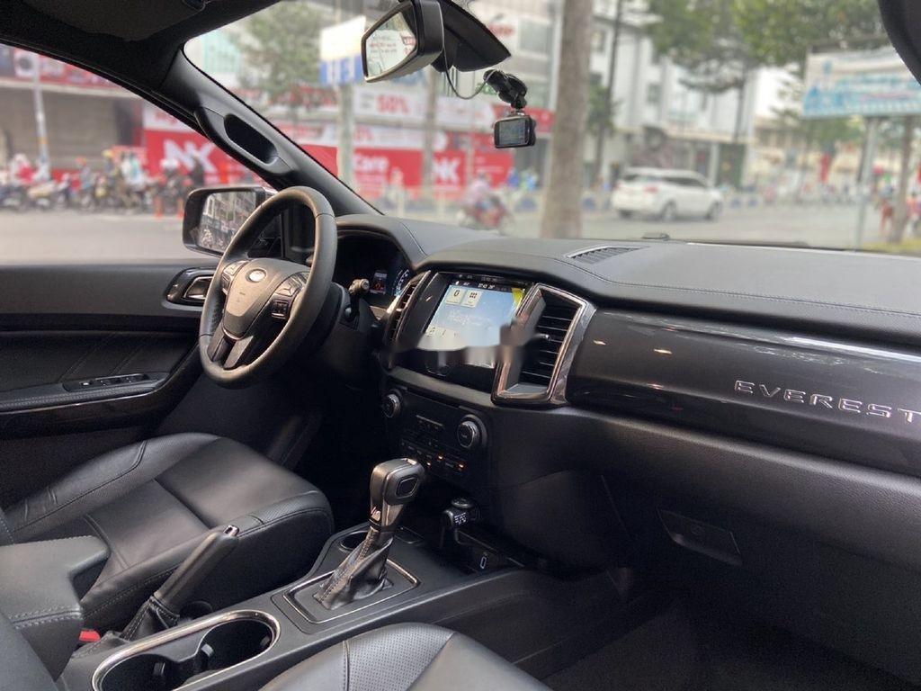 Cần bán Ford Everest đời 2019, màu đen, nhập khẩu nguyên chiếc (6)