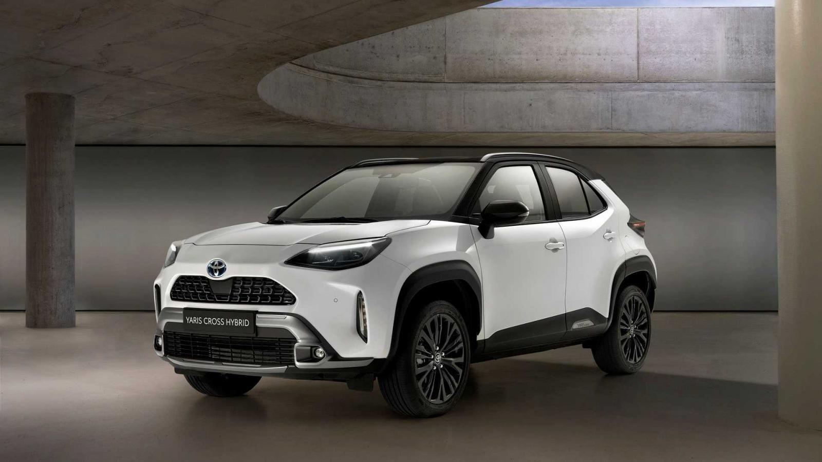 Toyota Yaris Cross Adventure ra mắt với ngoại thất hầm hố hơn.