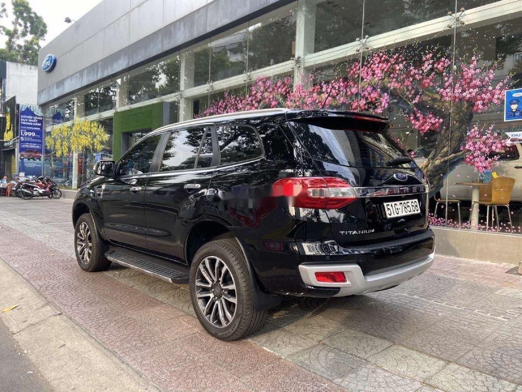 Cần bán Ford Everest đời 2019, màu đen, nhập khẩu nguyên chiếc (2)