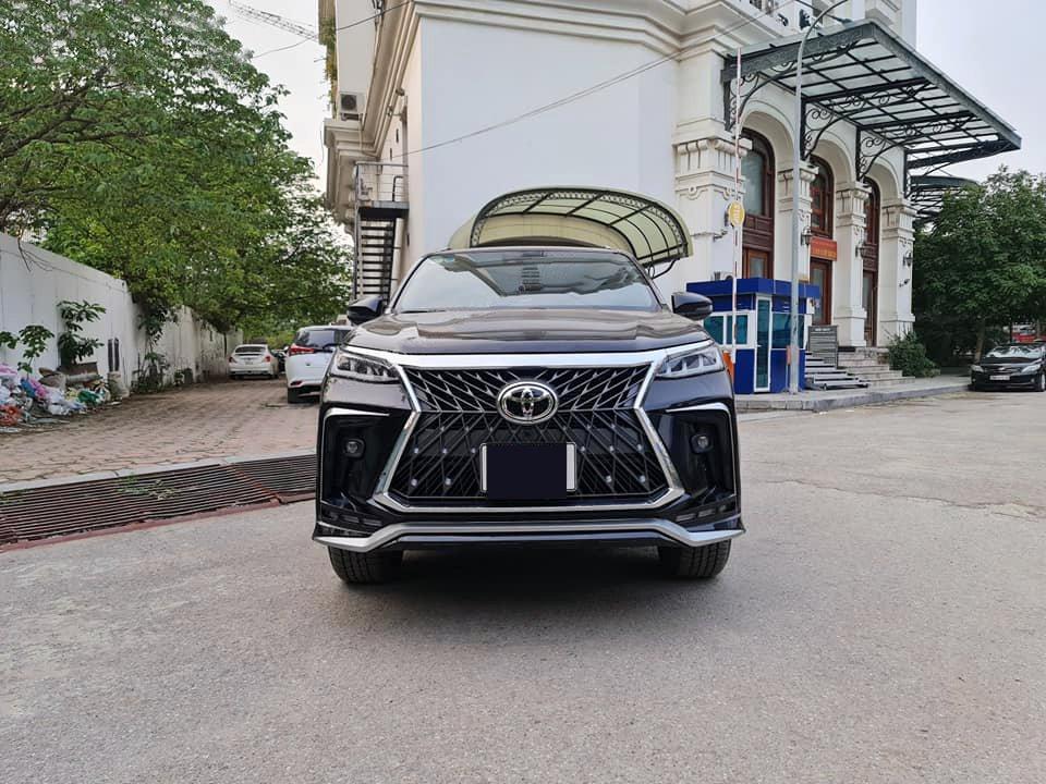 Fortuner độ Lexus 2021.