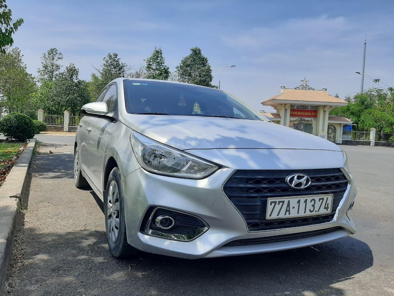 Cần bán gấp Hyundai Accent năm sản xuất 2018 (4)