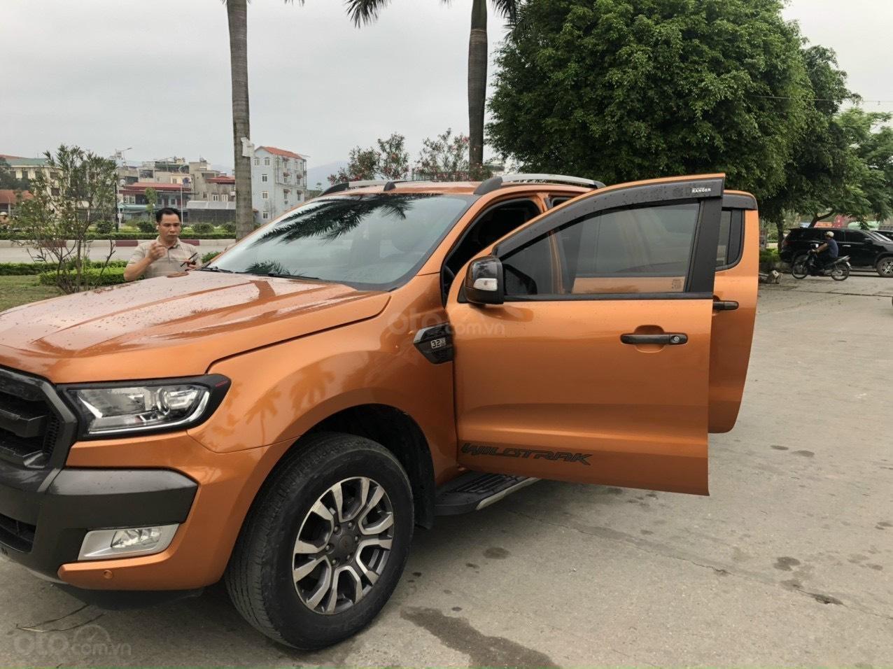 Cần bán gấp Ford Ranger Wildtrak, năm sản xuất 2016 (1)