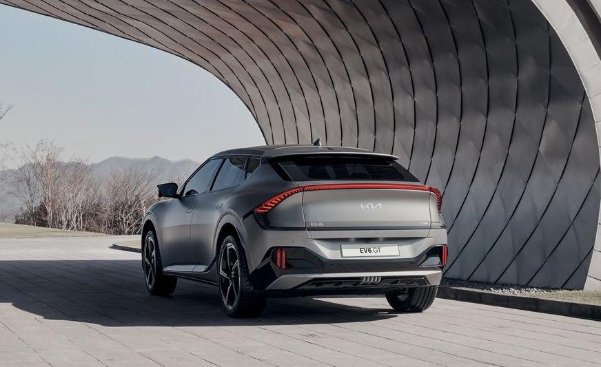 Kia EV6 GT 2022 hầm hố, hấp dẫn.