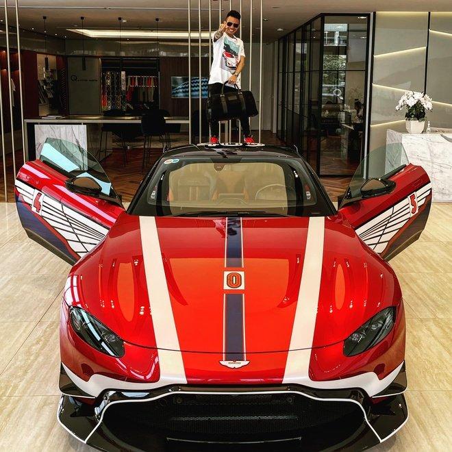 Minh nhựa tậu thêm Aston Martin V8 Vantage 15 tỷ màu độc cùng bộ body kit bắt mắt 1