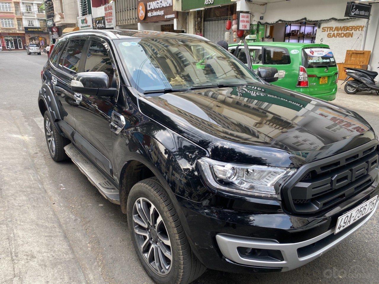 Đang về Ford Everest sản xuất 2019 2.0L Titanium, máy dầu, nhập khẩu Thái (1)