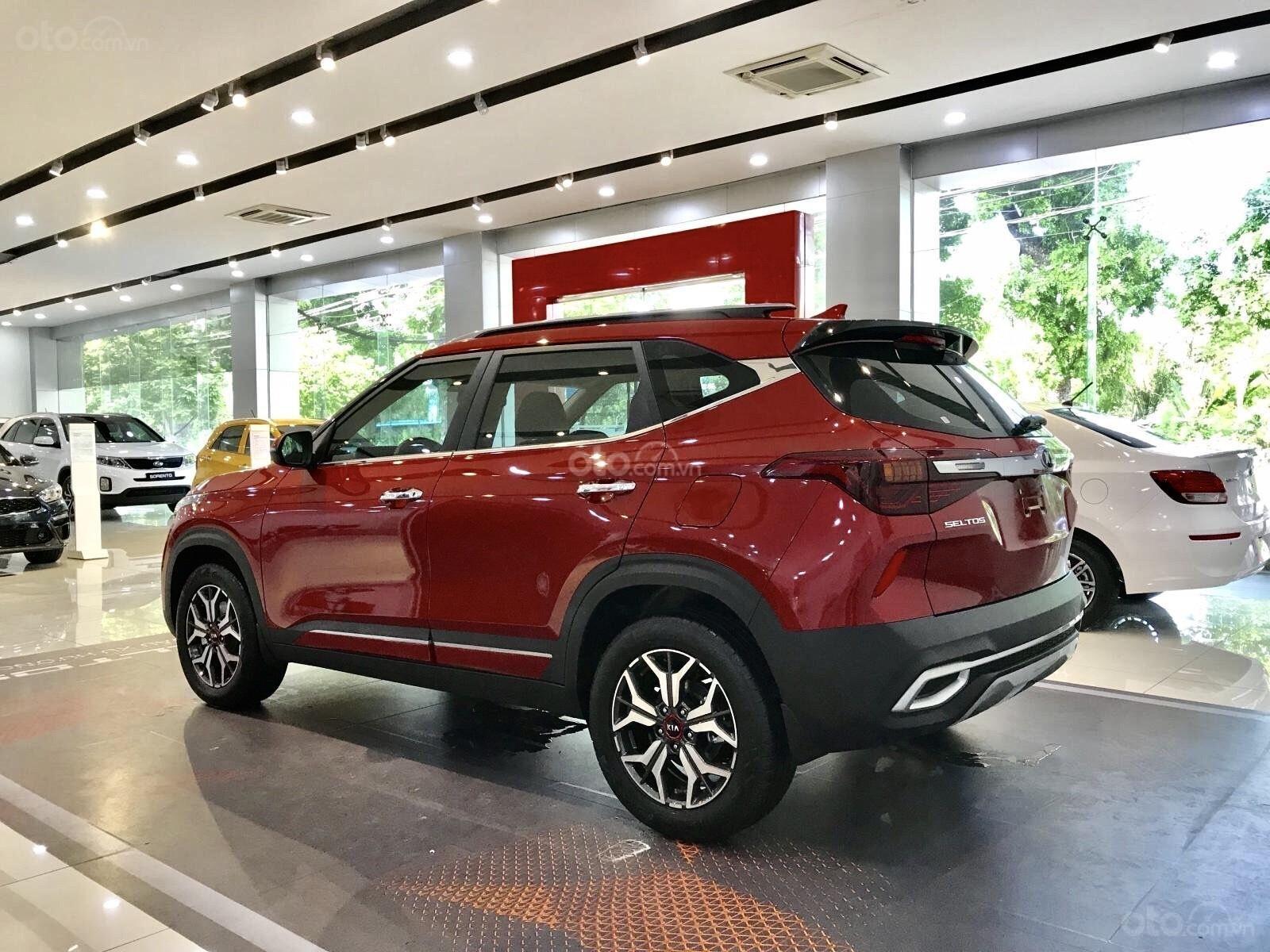 Kia Hà Nội- Kia Seltos 2021, nhận xe chỉ với 216 triệu đồng, hỗ trợ ngân hàng 80%, ưu đãi trên từng phiên bản (5)
