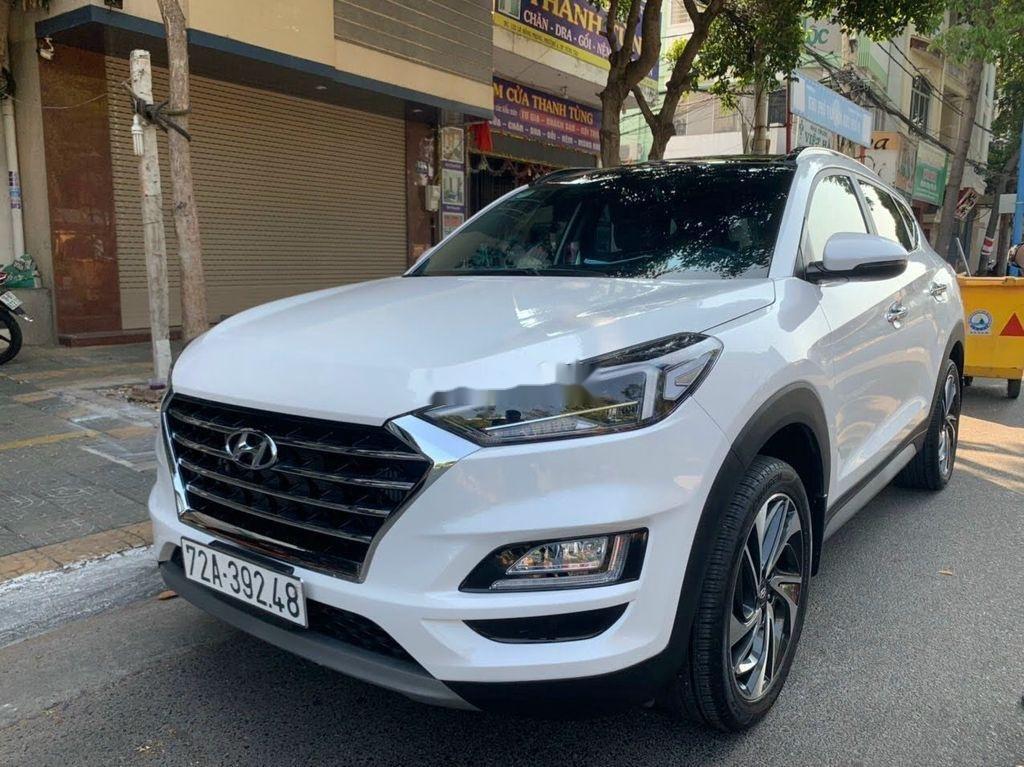 Xe Hyundai Tucson đời 2019, màu trắng chính chủ, giá tốt (2)