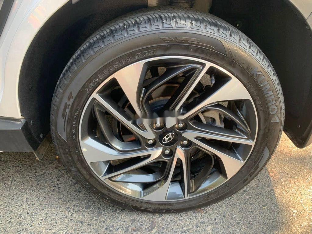 Xe Hyundai Tucson đời 2019, màu trắng chính chủ, giá tốt (10)