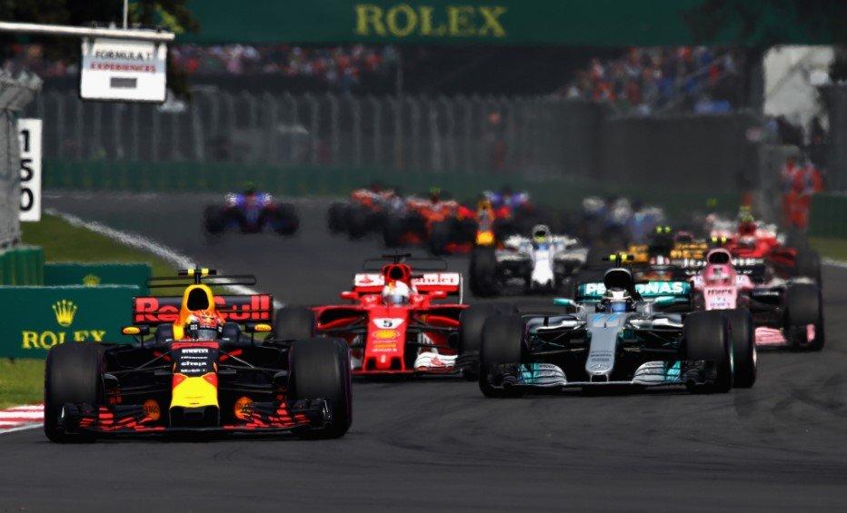 """Việt Nam """"lỡ hẹn"""" Giải đua F1 mùa 2021."""