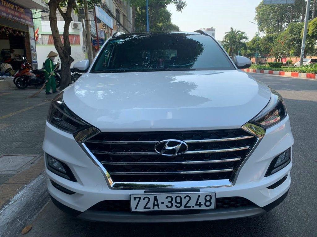 Xe Hyundai Tucson đời 2019, màu trắng chính chủ, giá tốt (1)