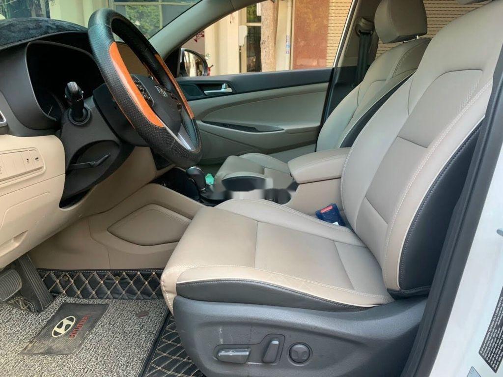 Xe Hyundai Tucson đời 2019, màu trắng chính chủ, giá tốt (7)