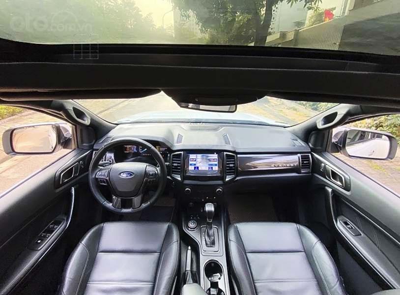 Cần bán lại xe Ford Everest sản xuất năm 2019, màu trắng (4)
