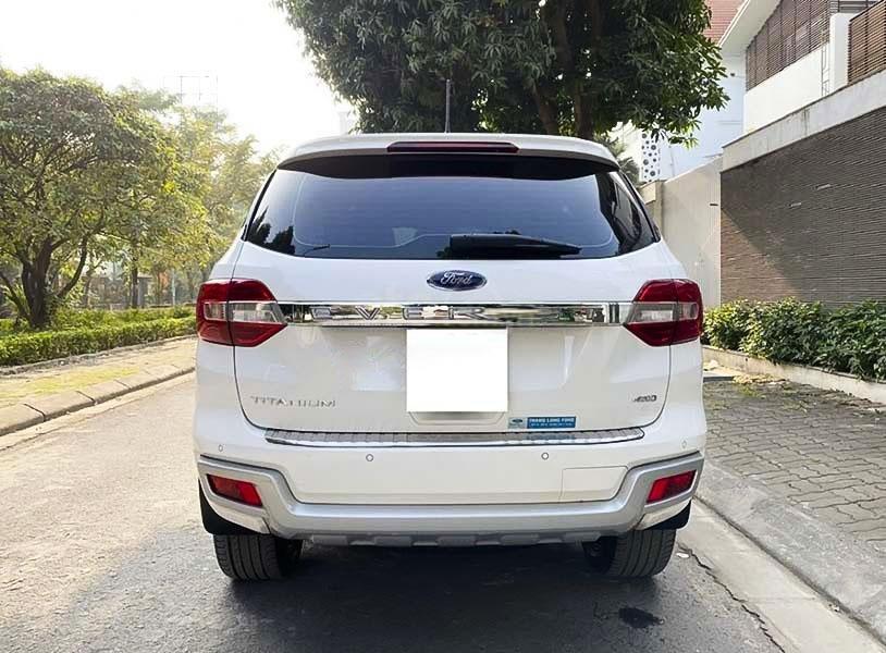 Cần bán lại xe Ford Everest sản xuất năm 2019, màu trắng (2)