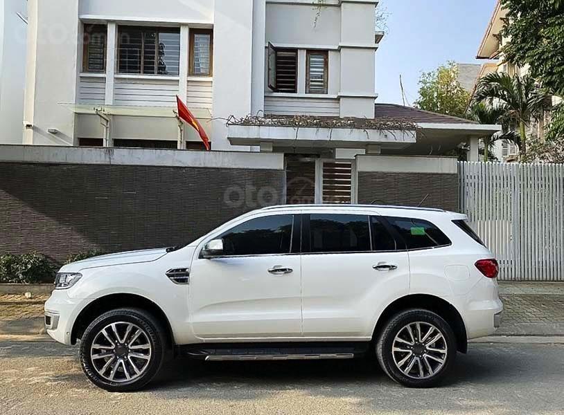 Cần bán lại xe Ford Everest sản xuất năm 2019, màu trắng (1)