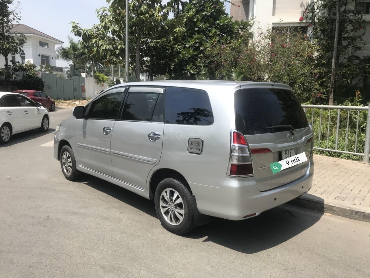 Chính chủ cần bán Toyota Innova đời 2015 (2)