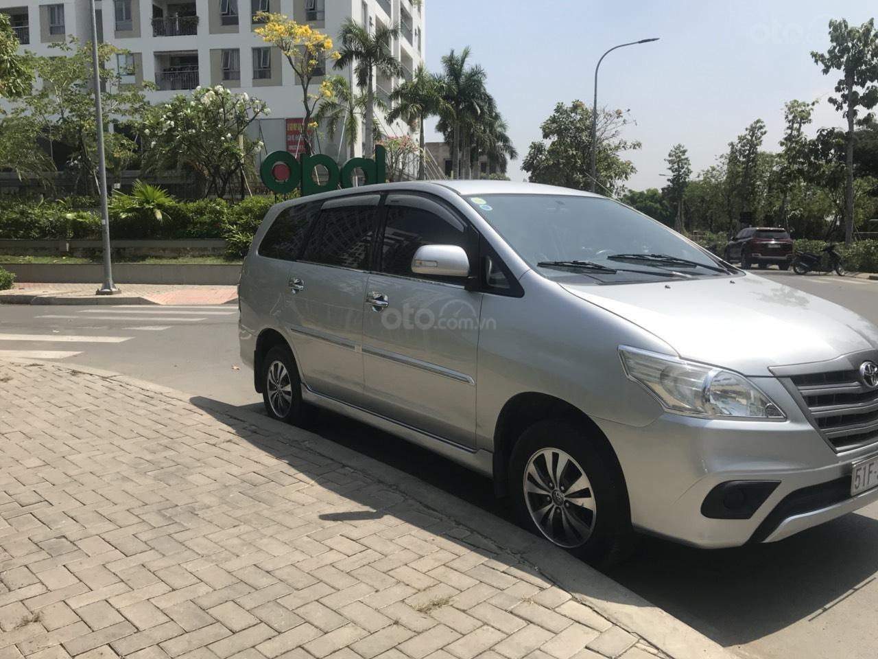 Chính chủ cần bán Toyota Innova đời 2015 (3)