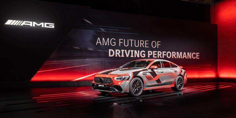 Mercedes-AMG trang bị động cơ mới mạnh hơn nữa.