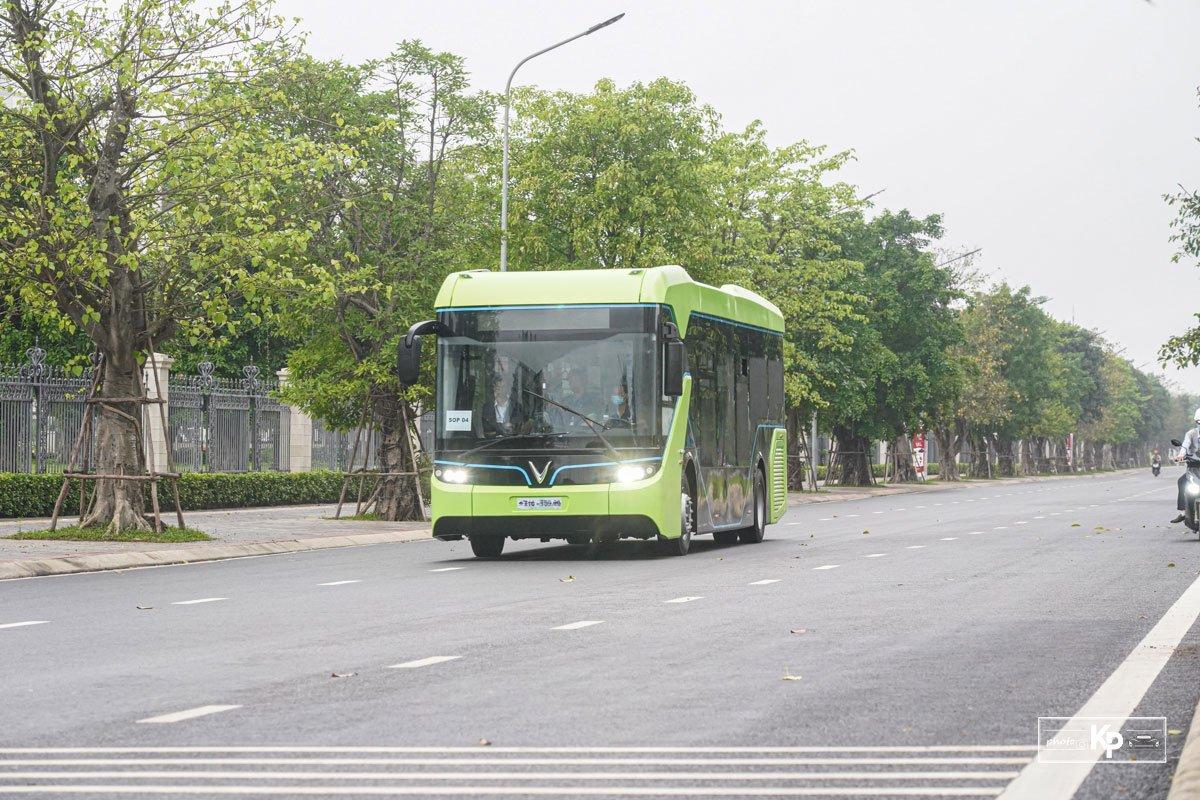 Cận cảnh xe VinBus điện chạy thử tại Hà Nội, có ngày lăn bánh chính thức a6