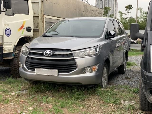 Ngân hàng bán đấu giá xe Toyota Innova 2017 (2)