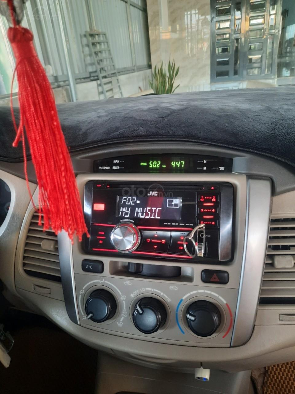Xe Toyota Innova năm sản xuất 2016 (3)
