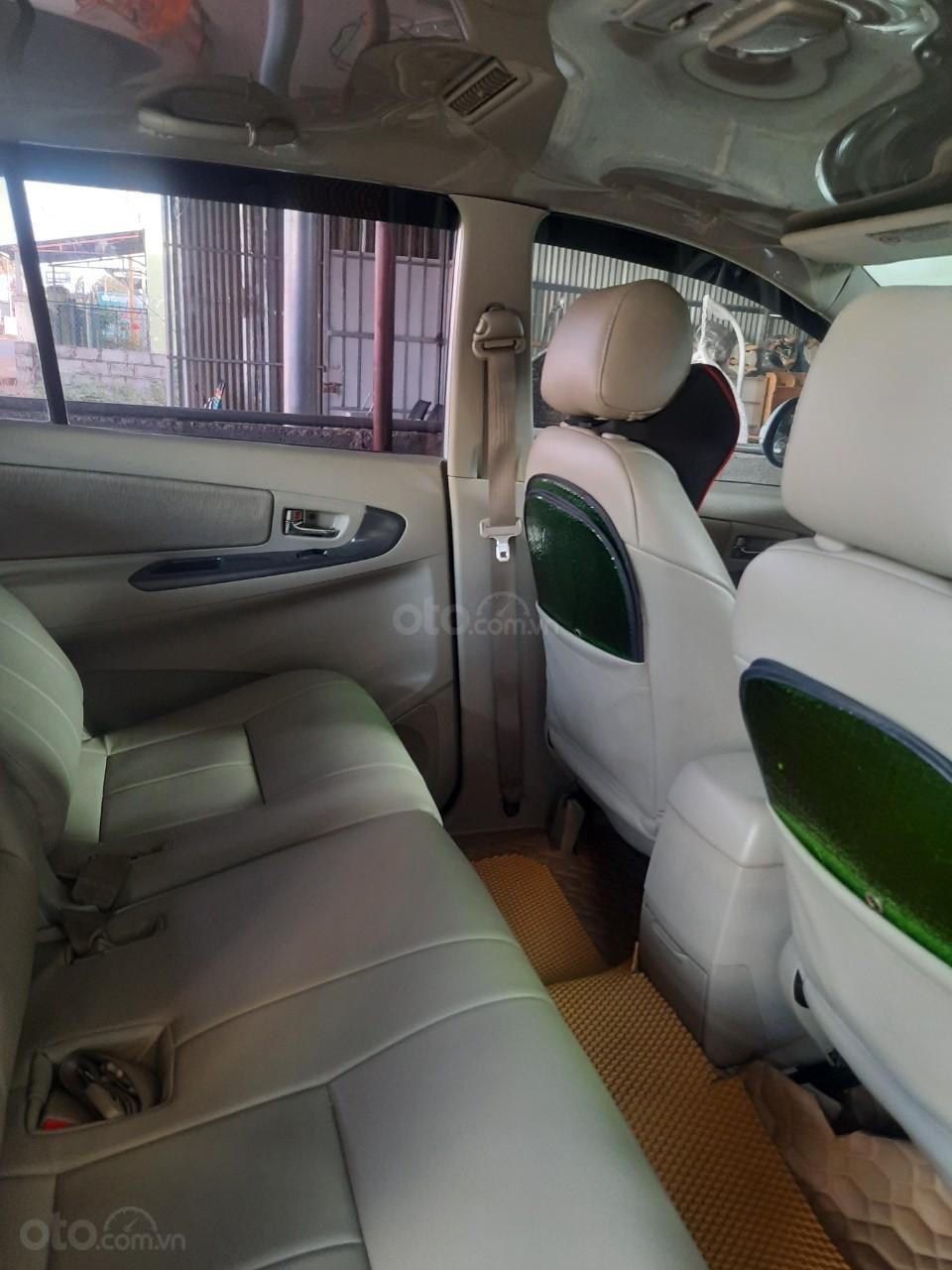 Xe Toyota Innova năm sản xuất 2016 (6)