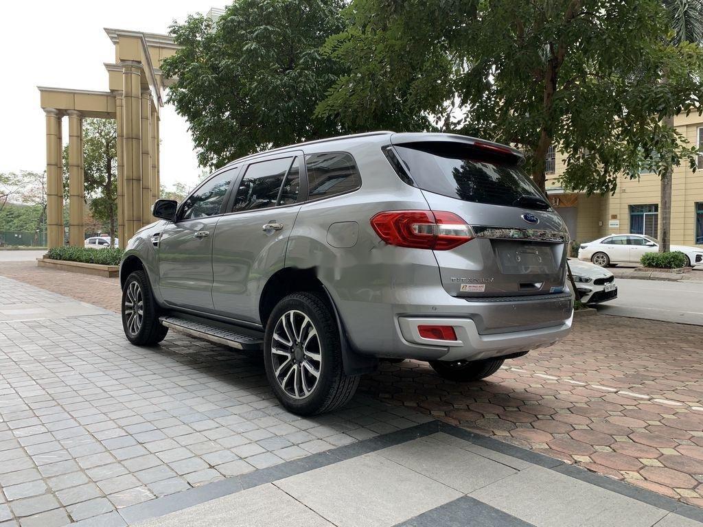 Cần bán Ford Everest đời 2019, màu xám, xe nhập (4)