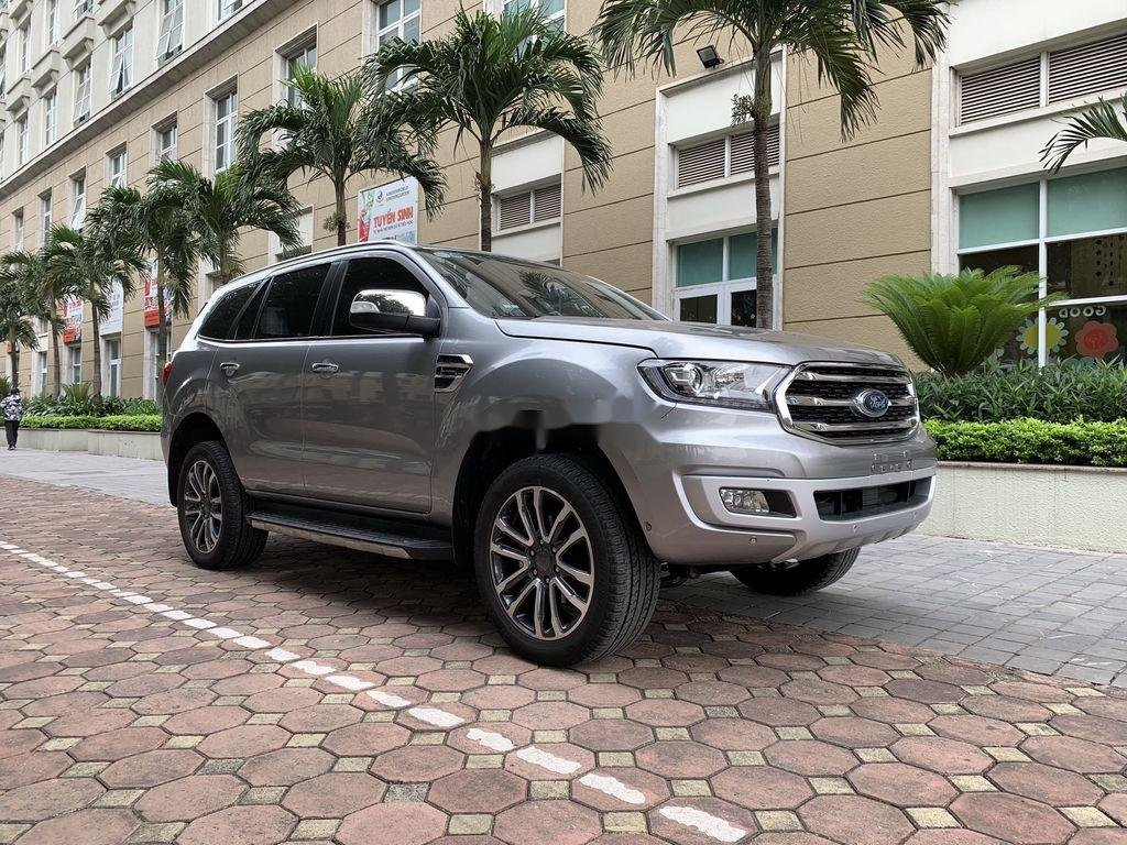 Cần bán Ford Everest đời 2019, màu xám, xe nhập (2)