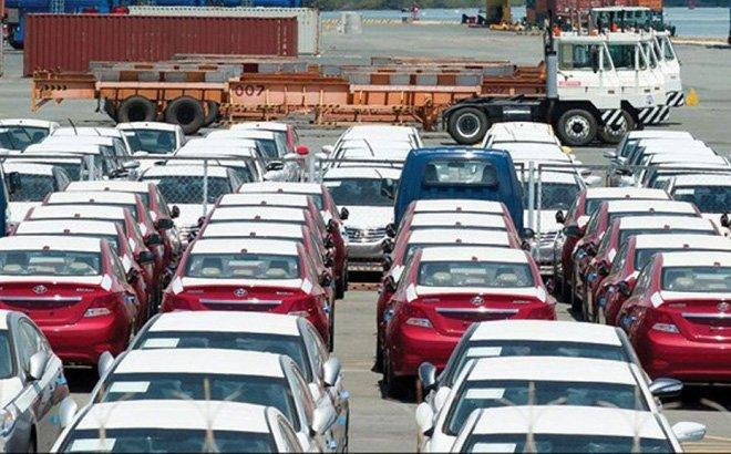Xe nhập khẩu dồn về Việt Nam trong tháng 3, dự báo bùng nổ đợt giảm giá sâu 1