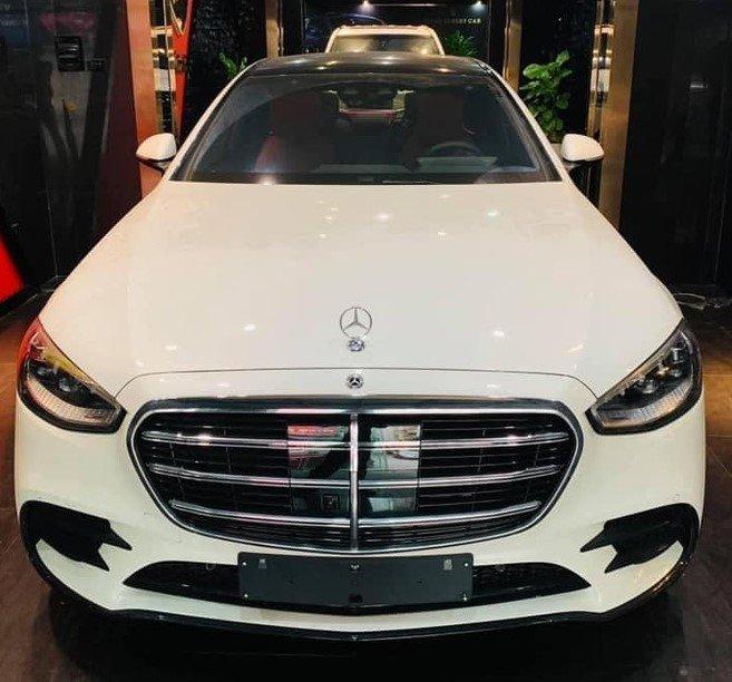 """""""Soi"""" chiếc Mercedes-Benz S 500 2021 đầu tiên về Việt Nam với nhiều trang bị đáng tiền 1"""