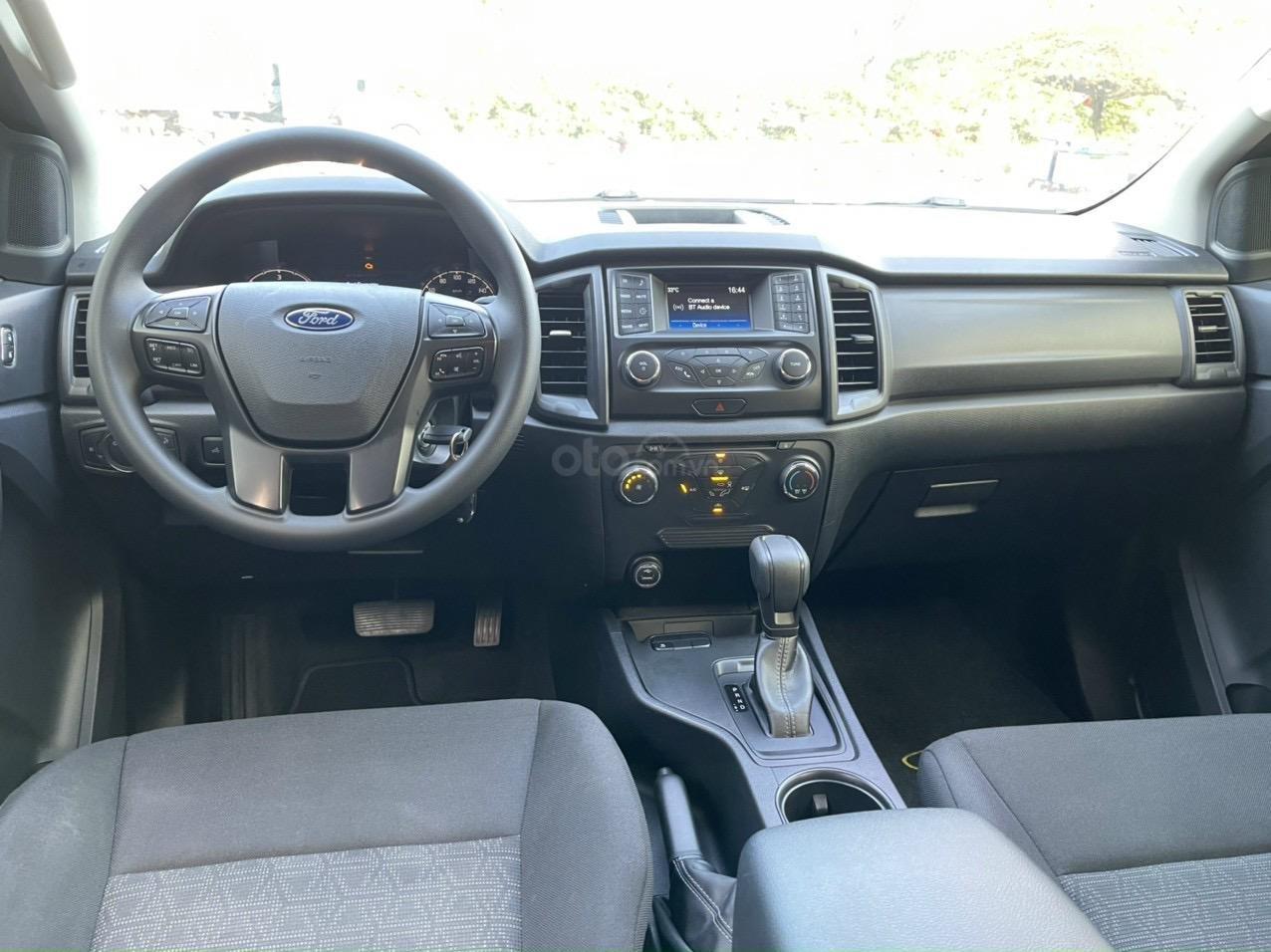 Ford Ranger XLS AT model 2020 - siêu lướt cực đẹp (12)