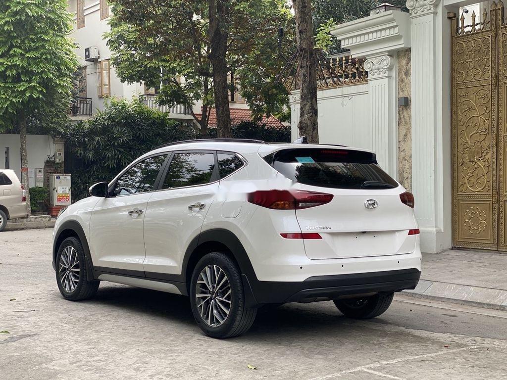 Cần bán xe Hyundai Tucson sản xuất năm 2019 còn mới (3)