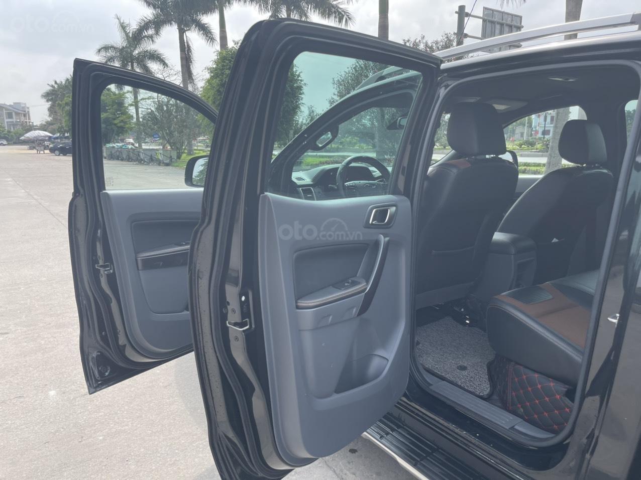 Bán Ford Ranger Wildtrak sản xuất năm 2017, màu đen (6)