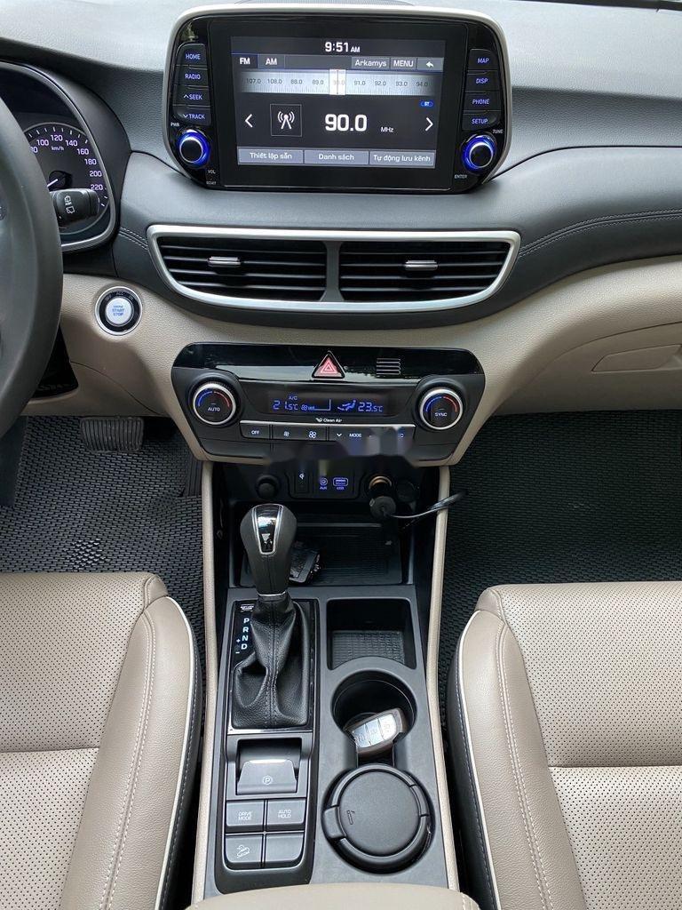 Cần bán xe Hyundai Tucson sản xuất năm 2019 còn mới (5)