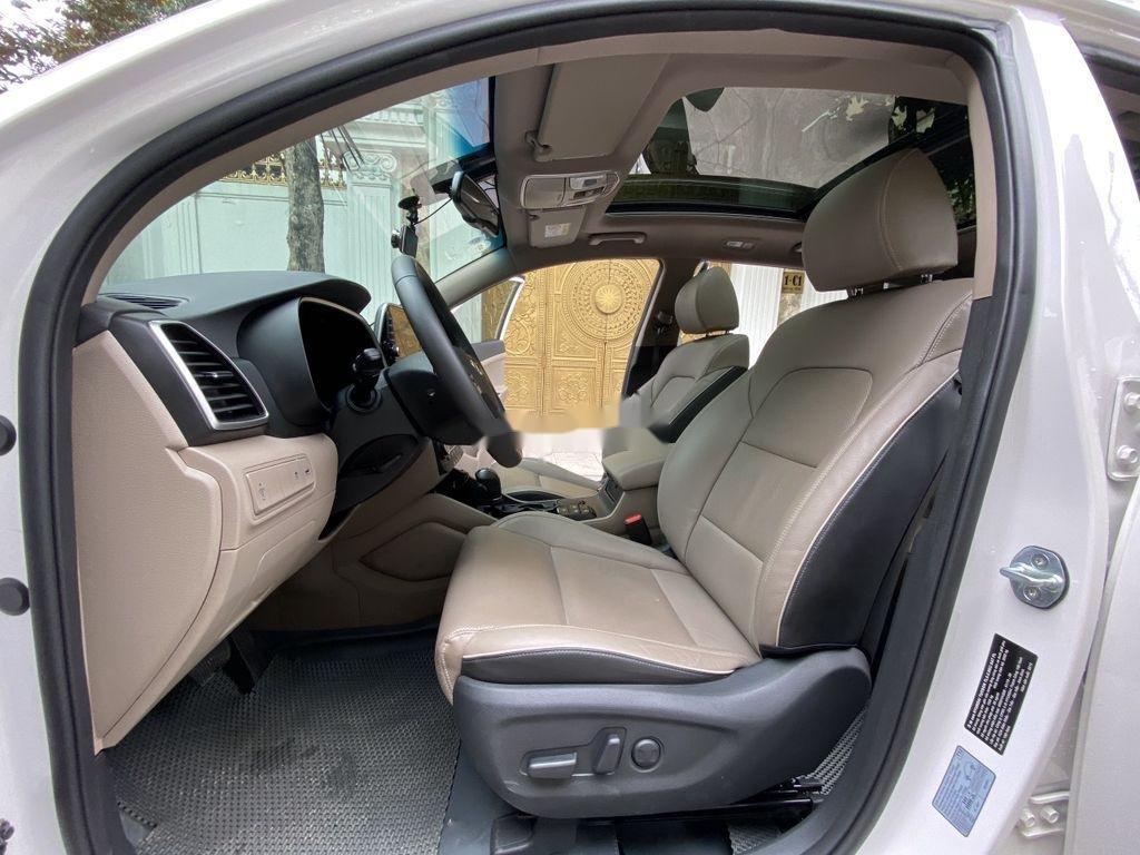 Cần bán xe Hyundai Tucson sản xuất năm 2019 còn mới (7)